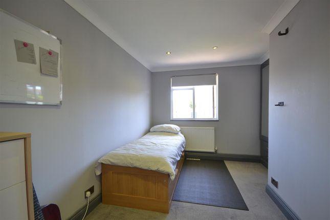 Bed 2 of Hewers Way, Tadworth KT20