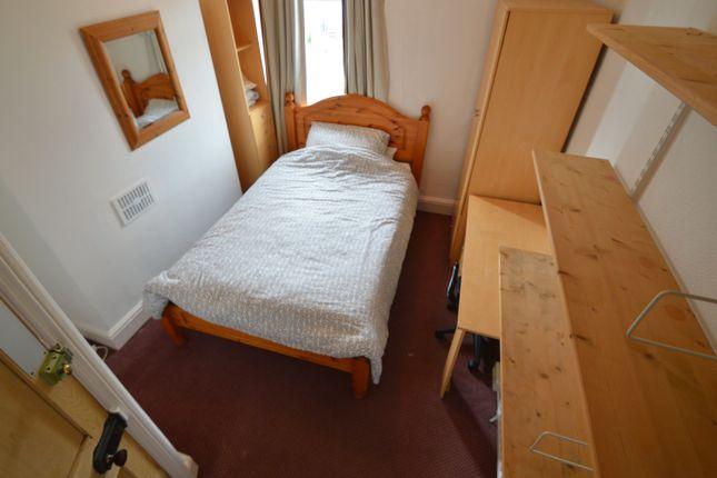 Ffr Bedroom of Cwmdare Street, Cathays, Cardiff CF24
