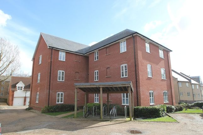 Thumbnail Flat to rent in Groves Close, Mile End Road, Colchester