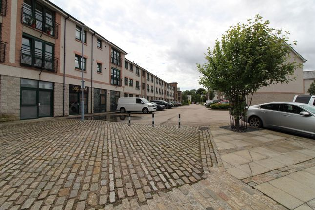 Parking of Grandholm Crescent, Aberdeen AB22