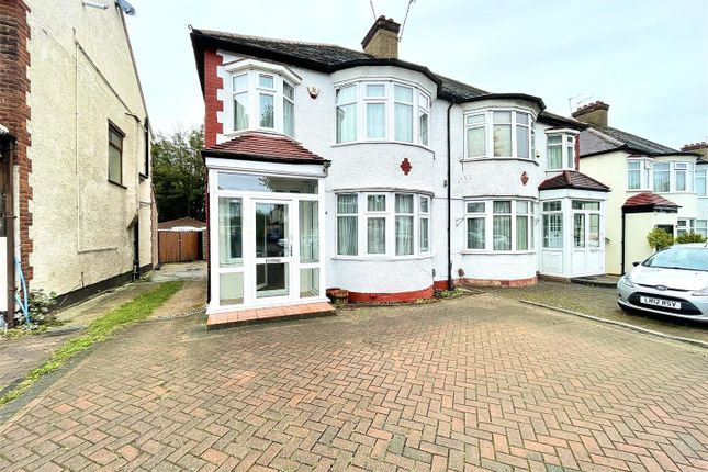 Thumbnail Property to rent in Ridge Avenue, Winchmore Hill