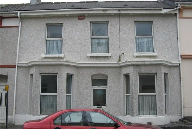 Thumbnail Town house to rent in Sydney Street, Near Babbage, Plymouth