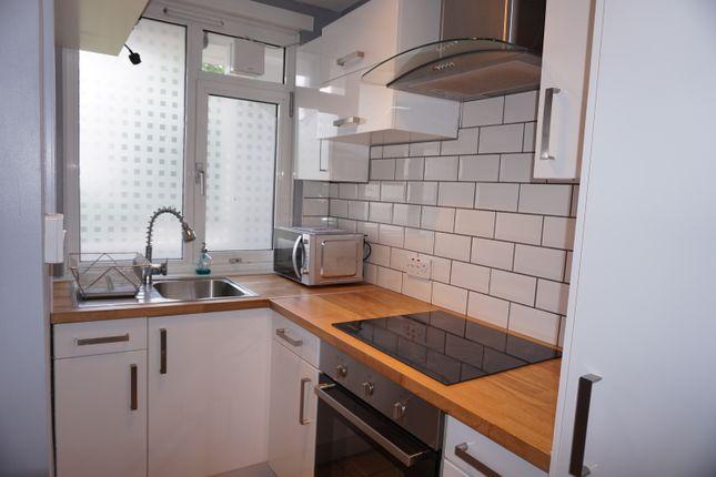 Thumbnail Flat to rent in Roman Road, Bethnal Green, London