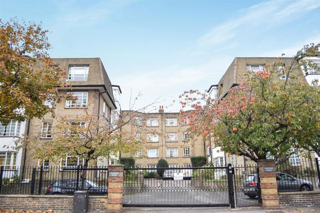 Thumbnail Flat for sale in Woodside, London
