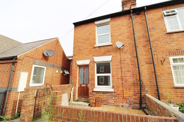 Thumbnail End terrace house to rent in Oxford Street, Caversham, Reading