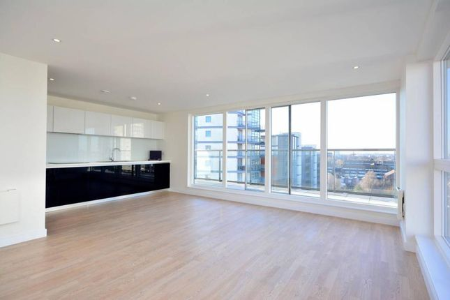 Thumbnail Flat for sale in Aitons House, Pump House Crescent, Brentford