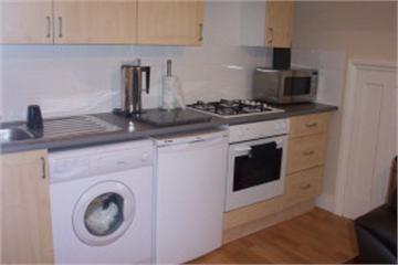 Thumbnail Flat to rent in Brondesbury Road, Kilburn
