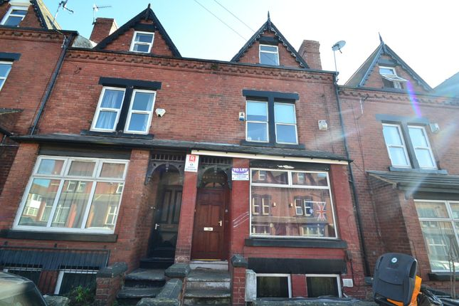 Thumbnail Barn conversion to rent in Chestnut Avenue, Hyde Park, Leeds