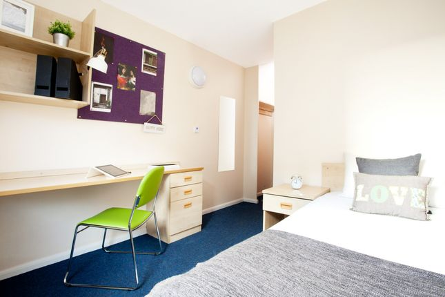 Thumbnail Flat to rent in Leadmill Road, Sheffield, South Yorkshire