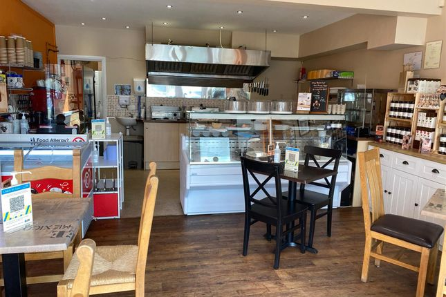 Thumbnail Restaurant/cafe for sale in Cafe & Sandwich Bars DN5, South Yorkshire