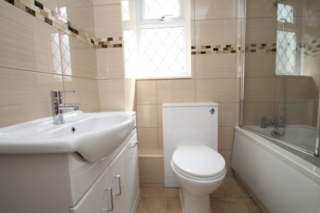 Bathroom of Lanyards, Littlehampton BN17