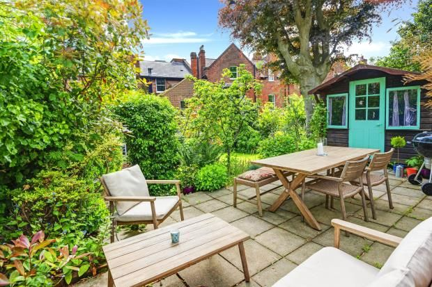 Commercial Property In Highgate