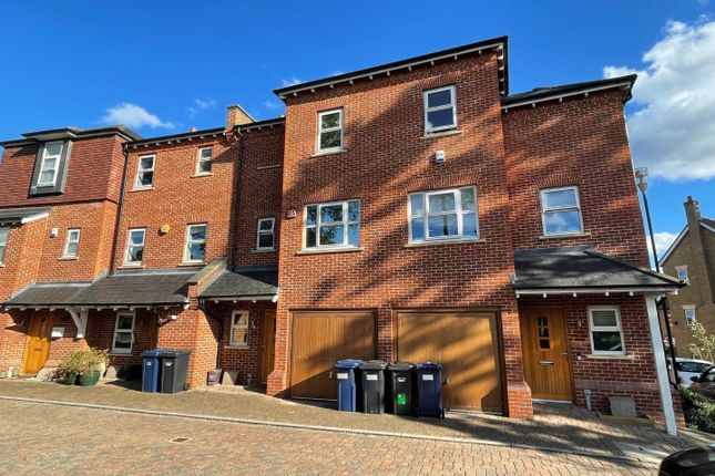 Thumbnail Town house to rent in Adam Close, Mill Hill