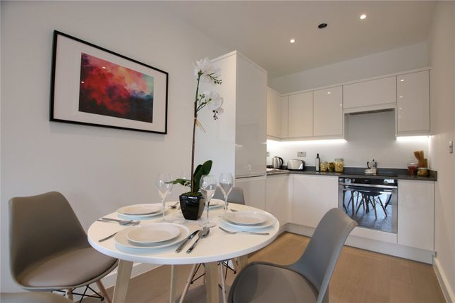 Thumbnail Flat for sale in Ziggurat House, Grosvenor Road, St Albans