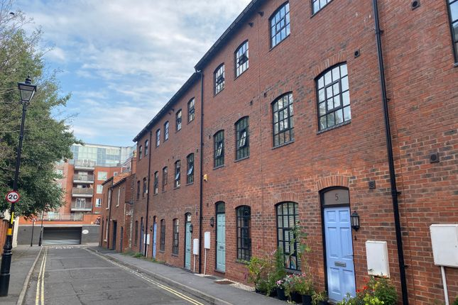 Thumbnail Town house to rent in Falcon Works, Regent Parade, Birmingham