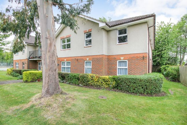 2 bed flat for sale in Vienna Court, Vesey Close, Farnborough