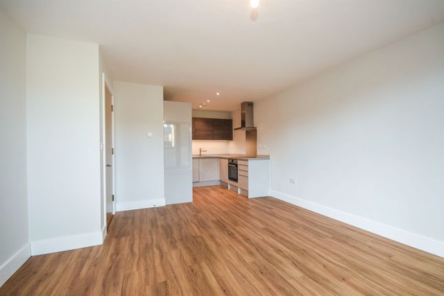 Thumbnail Flat for sale in Hunters Court, William Hunter Way, Brentwood