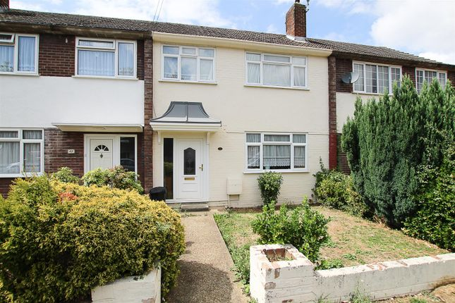 Thumbnail Terraced house for sale in Queenswood Avenue, Hutton, Brentwood