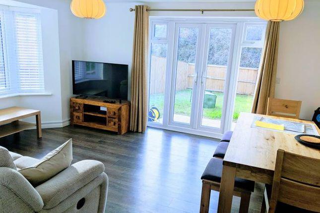 Thumbnail Room to rent in Uppingham Gardens, Leeds
