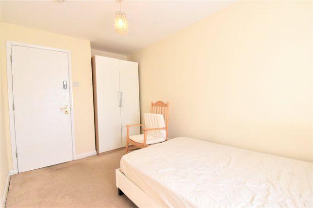 Thumbnail Semi-detached house to rent in Laggan Road, Maidenhead, Berkshire