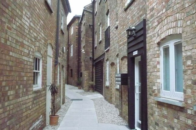 Thumbnail Flat to rent in Castle Mews, Bedford