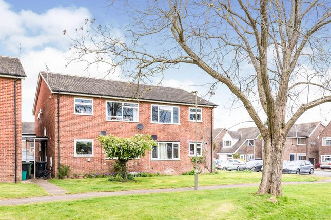 2 bed flat for sale in Chalgrove Road, Thame OX9