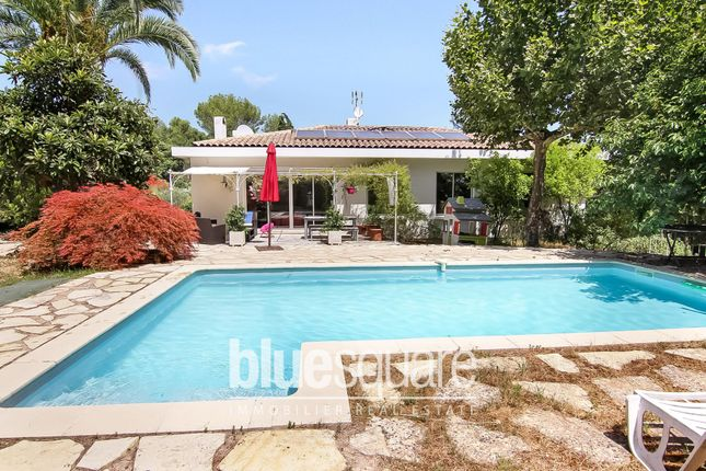 Property for sale in Roquefort-Les-Pins, Alpes-Maritimes, 06330, France