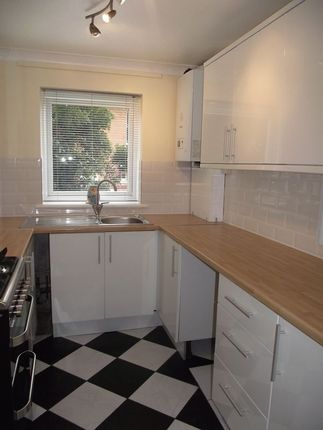 Thumbnail Flat to rent in Dorchester Road, Weymouth