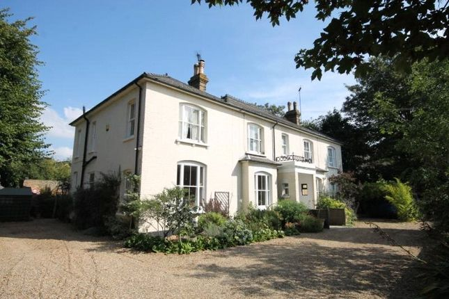 Thumbnail Flat to rent in Wendover Road, Staines-Upon-Thames, Surrey