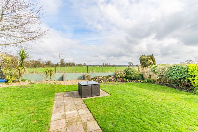 Garden of Wentworth Close, Barnham, West Sussex PO22