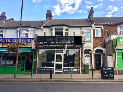 Thumbnail Retail premises to let in 152 Well Hall Road, Eltham