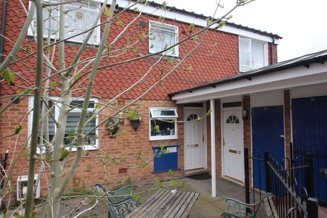 2 bed flat for sale in Eldorado Close, Studley B80
