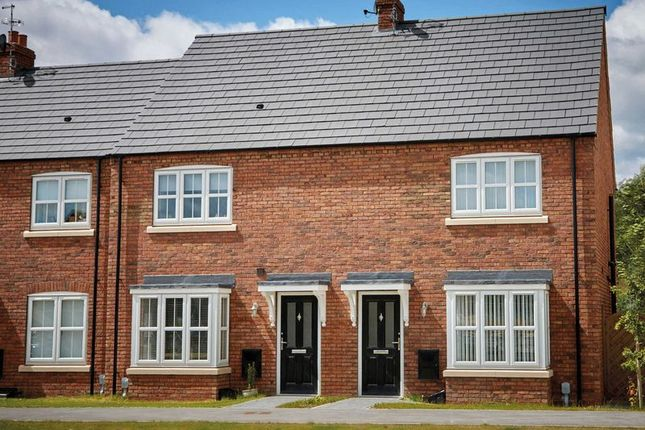 Thumbnail Semi-detached house for sale in Paddock Way, Kingswood, Hull
