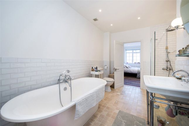 Bathroom of Robert Close, Little Venice, London W9