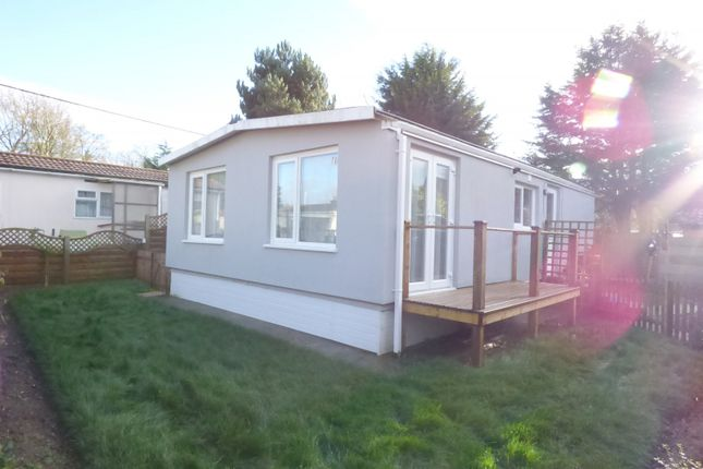Thumbnail Mobile/park home for sale in Woodrow Lane, Great Moulton