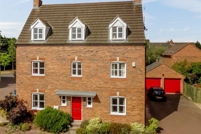 Thumbnail Detached house for sale in Costard Avenue, Warwick, Warwickshire