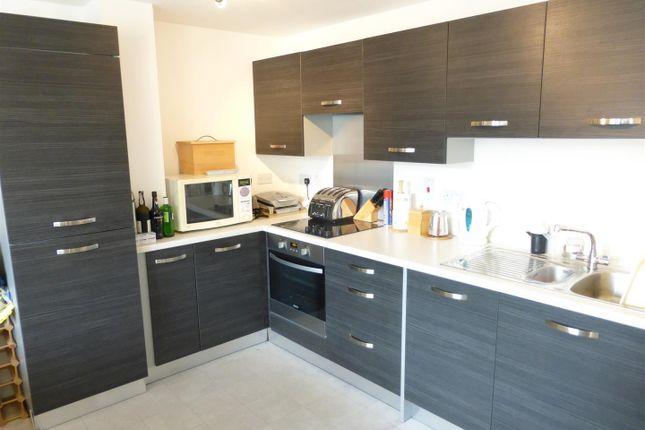 Thumbnail Flat to rent in Geoffrey Watling Way, Norwich