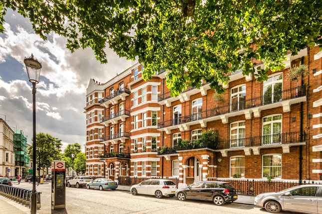 Thumbnail Flat to rent in Trebovir Road, Earls Court, London