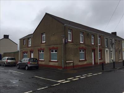 Thumbnail Pub/bar for sale in Former Golfers Inn, 17 Glandafen Road, Llanelli