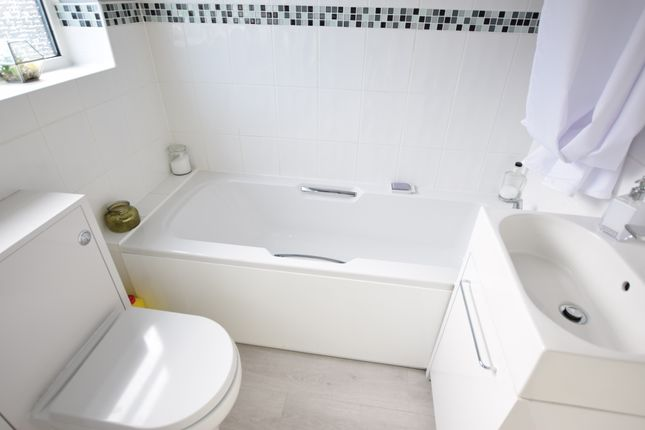 Bathroom of Waverley Gardens, Pevensey Bay BN24