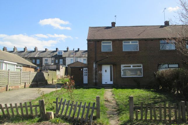Thumbnail Semi-detached house to rent in Busfield Street, East Bowling, Bradford