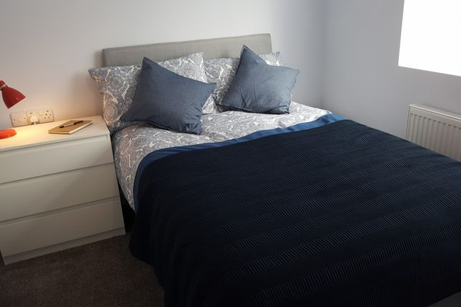 Thumbnail Shared accommodation to rent in Cheshire, Widnes
