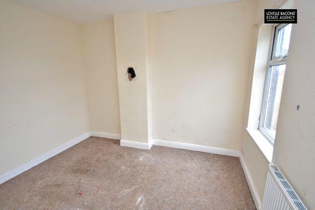 Bedroom 2 of Weelsby Street, Grimsby DN32