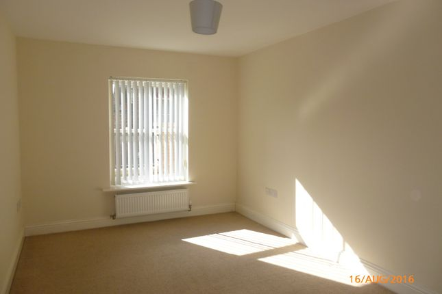Thumbnail Flat to rent in Double Street, Spalding
