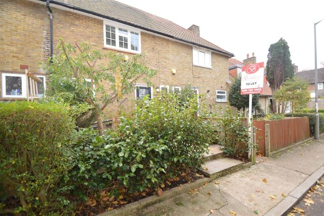 3 bed terraced house to rent in Hobbes Walk, London SW15