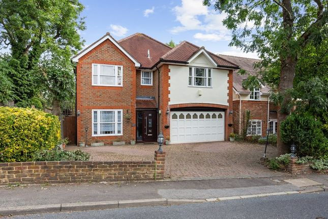 Thumbnail Detached house to rent in Fairview Road, Chigwell