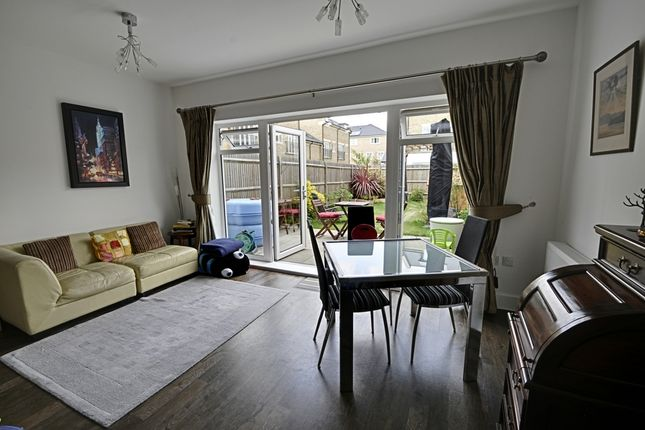 4 bed terraced house to rent in Marbaix Gardens, Isleworth