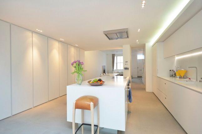 Thumbnail Flat to rent in Stratford Road, High Street Kensington, London