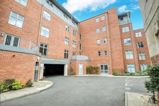Picture No. 07 of Manor House, Avenue Road, Leamington Spa CV31