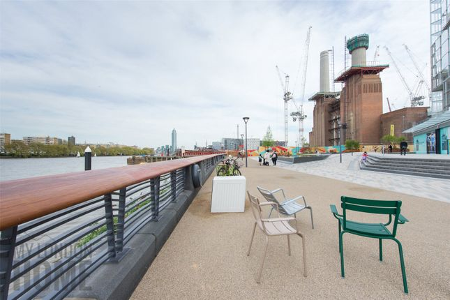 Thumbnail Flat for sale in Switch House West, Phase 2, Battersea Power Station
